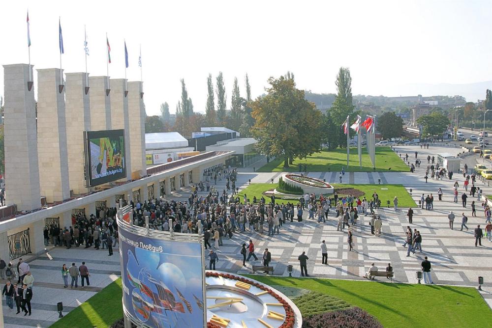 Грандиозен аудио-визуален спектакъл за откриването на Есенния панаир в Пловдив