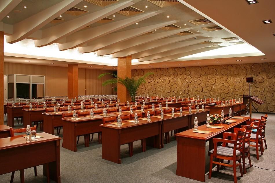 Конферентни зали
